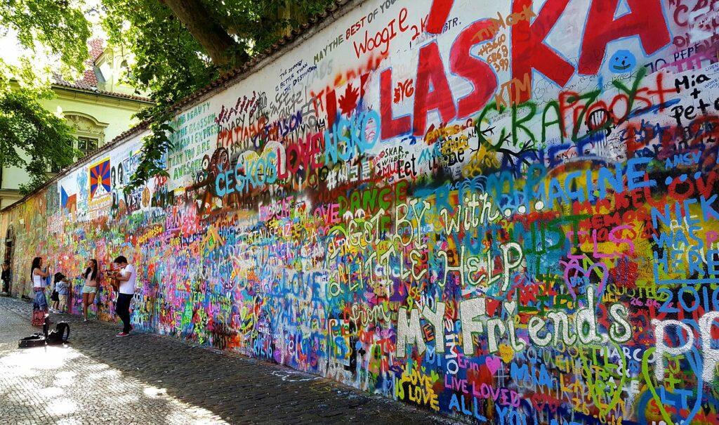 Πράγα - Τοίχος του Τζόν Λένον